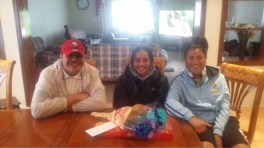 Christine Pauli (right) in her neck brace in 2016 with school friends Megual Taavale and Melina Va'a.
