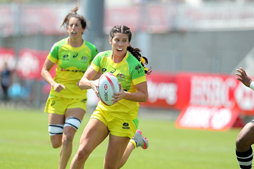 Charlotte Caslick representing Australia at the Women's World Sevens Series in France in 2016.