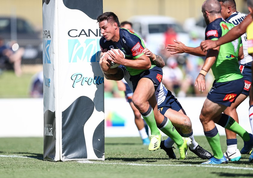 Joe Tapine scores a try for Canberra.