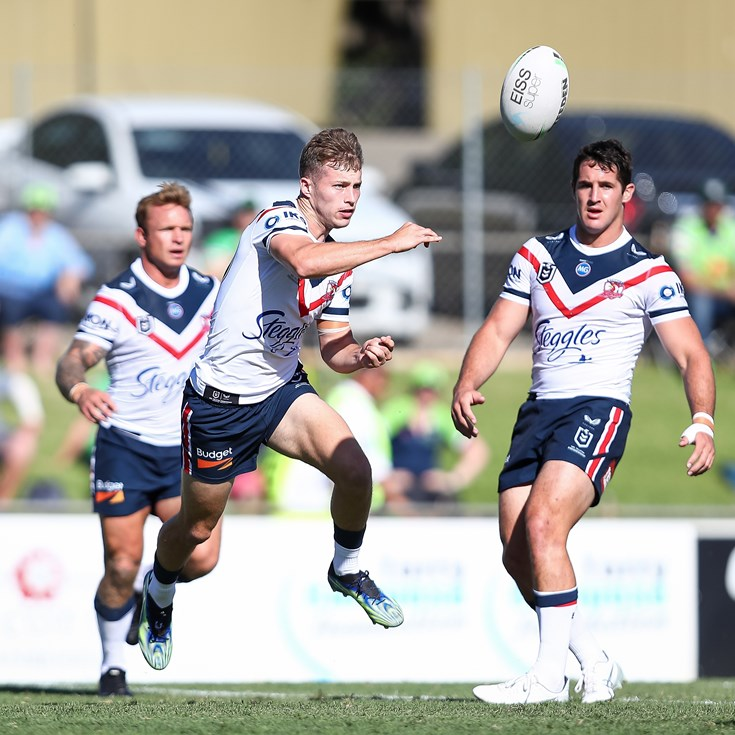 Cronk helps Walker stay on pace despite 18-month layoff