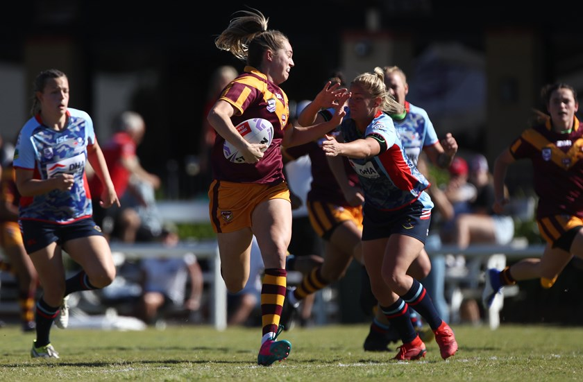 NSW Country's Kezie Apps scored two tries in her team's big win over Australian Defence Force.