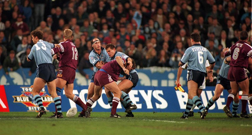 The Blues and Maroons trade blows at the MCG in 1995